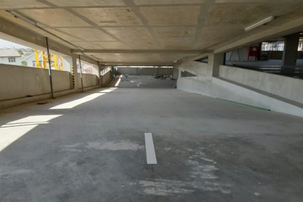 club-house-parking-11BA1C567F-8C30-129D-BECD-61D19DE76D89.jpg