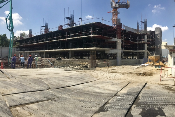 while-doing-car-park-building-structure-at-3rd-floor3D3765E2-C0CA-41E1-9619-FDC2ADE9999F.jpg